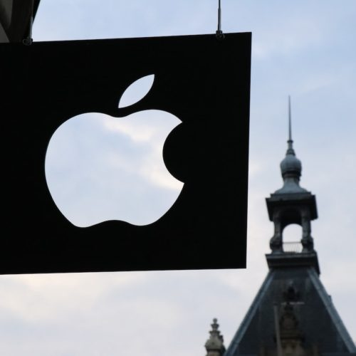 Apple Might Intentionally Put Inferior Chips in Its Devices