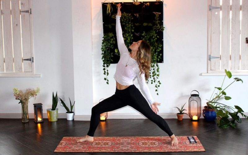 8 Mental and Physical Benefits of Practicing Yoga