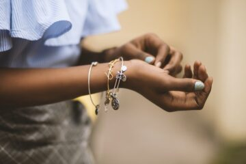 Guide to Choosing The Right Jewelry Store